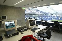 PORTO-16 NOVEMBRO:CONTROL ROOM (sala de controlo) do Est‡dio do Drag‹o; jogo entre o F.C.Porto e o F.C.Barcelona 16-11-03 21:00 no est‡dio do Drag‹o.<br />(PHOTO BY: AFCD/JOSƒ GAGEIRO)