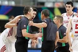 07.09.2014, Palau Sant Jordi, Barcelona, ESP, FIBA WM, Australien vs Türkei, Achtelfinale, im Bild Turkey's Kerem Gonlum have words with the referees // during FIBA Basketball World Cup Spain 2014 round of 16 match between Australia and Turkey at the Palau Sant Jordi in Barcelona, Spain on 2014/09/07. EXPA Pictures © 2014, PhotoCredit: EXPA/ Alterphotos/ Acero<br /> <br /> *****ATTENTION - OUT of ESP, SUI*****