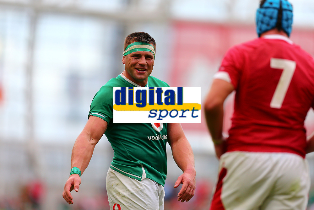 Rugby Union - 2019 pre-Rugby World Cup warm-up (Guinness Summer Series) - Ireland vs. Wales<br /> <br /> CJ Stander (Ireland) has words with Justin Tipuric (Wales) during the game at The Aviva Stadium.<br /> <br /> COLORSPORT/KEN SUTTON