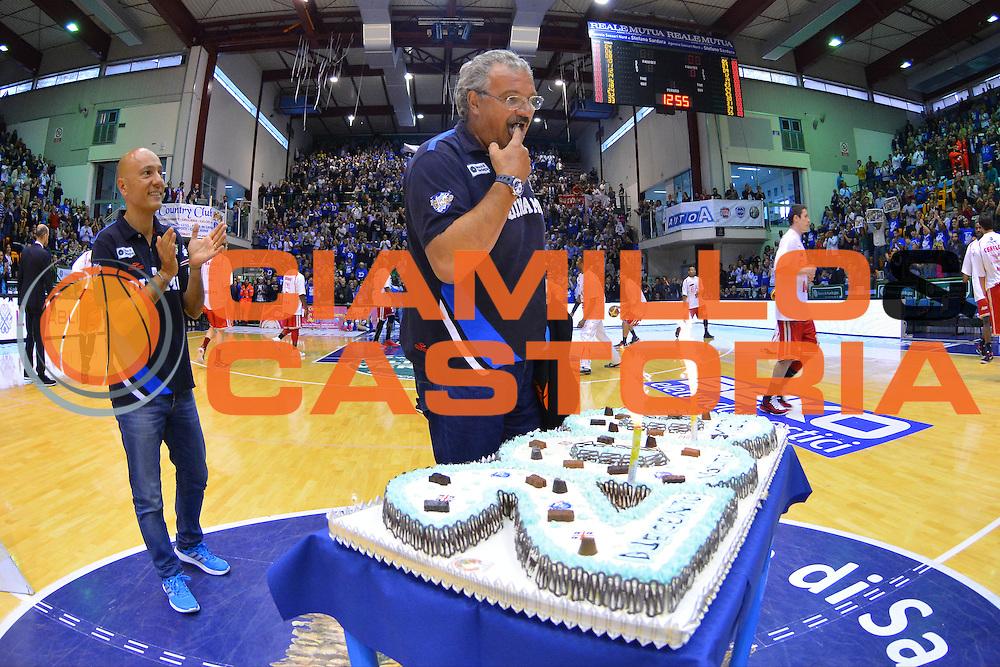 DESCRIZIONE : Campionato 2013/14 Semifinale GARA 3 Dinamo Banco di Sardegna Sassari - Olimpia EA7 Emporio Armani Milano<br /> GIOCATORE : Romeo Sacchetti 200 Panchine<br /> CATEGORIA : Before Spettacolo<br /> SQUADRA : Dinamo Banco di Sardegna Sassari<br /> EVENTO : LegaBasket Serie A Beko Playoff 2013/2014<br /> GARA : Dinamo Banco di Sardegna Sassari - Olimpia EA7 Emporio Armani Milano<br /> DATA : 03/06/2014<br /> SPORT : Pallacanestro <br /> AUTORE : Agenzia Ciamillo-Castoria / Luigi Canu<br /> Galleria : LegaBasket Serie A Beko Playoff 2013/2014<br /> Fotonotizia : DESCRIZIONE : Campionato 2013/14 Semifinale GARA 3 Dinamo Banco di Sardegna Sassari - Olimpia EA7 Emporio Armani Milano<br /> Predefinita :