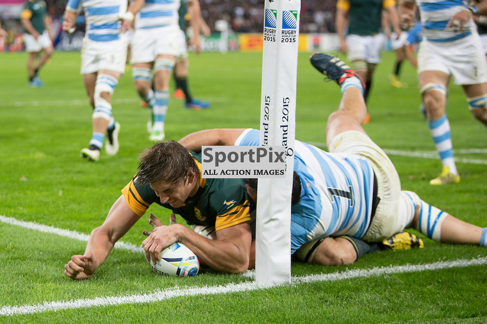 LONDON, ENGLAND - OCTOBER 30: Eben Etzebeth of South Africa scores the 2015 Rugby World Cup Bronze final match between South Africa and Argentina at The Olympic Stadium on October 30, 2015 in London, England. (Credit: SAM TODD | SportPix.org.uk)
