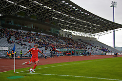 REYKJAVIK, ICELAND - Wednesday, May 28, 2008: Wales' David Edwards takes a corner against Iceland during the international friendly match at the Laugardalsvollur Stadium. (Photo by David Rawcliffe/Propaganda)