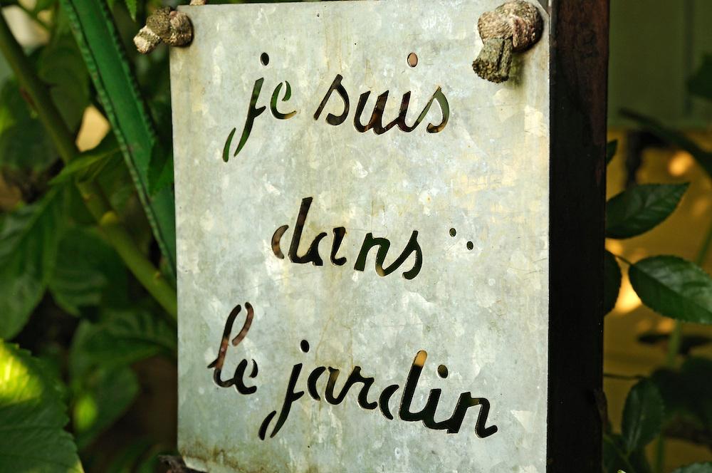 France, Languedoc Roussillon, Gard, Saint-Julien-de-Peyrolas, jardin des mille et une fleurs