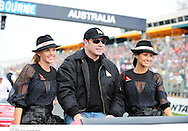 Grand Prix d'Australie de formule 1..Melbourne 28 mars 2010..avant course. ..Photo: Stéphane Mantey/ L'Equipe *** Local Caption *** travolta (john)