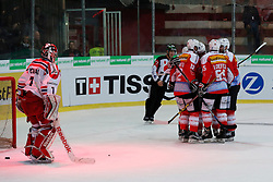 13.04.2016, Litterna Halle, Visp, SUI, Eishockey Testspiel, Schweiz vs Tschechische Republik, im Bild Die Schweizer jubeln nach dem Tor zum 3:1, links Jakub Kovar (CZE) geschlagen // during friendly ice hockey match between Switzerland and Czech Republic the Litterna Halle in Visp, Switzerland on 2016/04/13. EXPA Pictures © 2016, PhotoCredit: EXPA/ Freshfocus/ Christian Pfander<br /> <br /> *****ATTENTION - for AUT, SLO, CRO, SRB, BIH, MAZ only*****