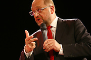Mannheim. 19.09.17 | SPD-Kanzlerkandidat Martin Schulz im Capitol Mannheim.<br /> Im Wahlkampf zur Bundestagswahl unterstützt Kanzlerkandidat Martin Schulz Mannheims SPD Bundestagsabgeordneter Stefan Rebmann.<br /> <br /> <br /> BILD- ID 2396 |<br /> Bild: Markus Prosswitz 19SEP17 / masterpress (Bild ist honorarpflichtig - No Model Release!)
