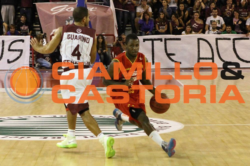 DESCRIZIONE : Ferentino Lega Basket A2 ottavi di finale qualificazioni final four eurobet 2012-13  Fmc Ferentino Prima Veroli <br /> GIOCATORE : Walker Erving<br /> CATEGORIA : palleggio penetrazione<br /> SQUADRA : Prima Veroli<br /> EVENTO : Lega Basket A2 ottavi di finale qualificazioni final four eurobet 2012-13 <br /> GARA : Fmc Ferentino Prima Veroli <br /> DATA : 26/09/2012<br /> SPORT : Pallacanestro <br /> AUTORE : Agenzia Ciamillo-Castoria/ M.Simoni<br /> Galleria : Lega Basket A2 2012-2013 <br /> Fotonotizia : Ferentino Lega Basket A2 ottavi di finale qualificazioni final four eurobet 2012-13  Fmc Ferentino Prima Veroli <br /> Predefinita :
