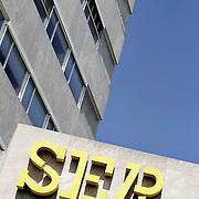 Nederland Den Haag 28 juni 2006 20060628 Foto: David Rozing ..Gebouw en logo van SER , Sociaal Economische Raad..Foto: David Rozing