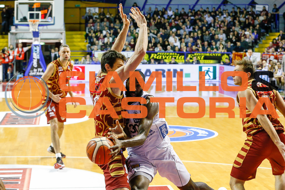 DESCRIZIONE : Venezia Lega A 2015-16 Umana Reyer Venezia Dolomiti Energia Trentino<br /> GIOCATORE : Julian Wright<br /> CATEGORIA : Passaggio<br /> SQUADRA : Umana Reyer Venezia Dolomiti Energia Trentino<br /> EVENTO : Campionato Lega A 2015-2016<br /> GARA : Umana Reyer Venezia Dolomiti Energia Trentino<br /> DATA : 28/12/2015<br /> SPORT : Pallacanestro <br /> AUTORE : Agenzia Ciamillo-Castoria/G. Contessa<br /> Galleria : Lega Basket A 2015-2016 <br /> Fotonotizia : Venezia Lega A 2015-16 Umana Reyer Venezia Dolomiti Energia Trentino