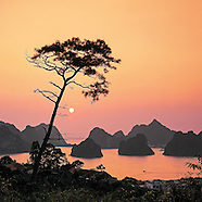 HALONG  bay- UNESCO world Heritage.