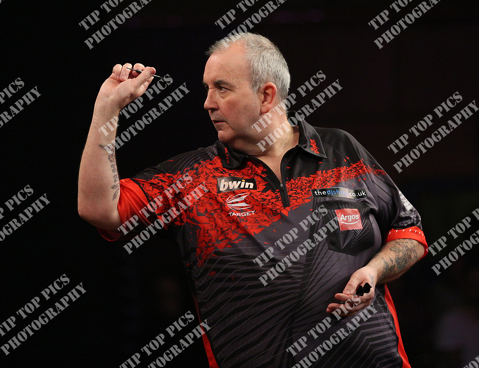 PDC GRAND SLAM 2017, DARTS, PDC, PDC DARTS, PIC : CHRIS SARGEANT,PHIL TAYLOR, JAMES WADE GRAND SLAM OF DARTS 2017