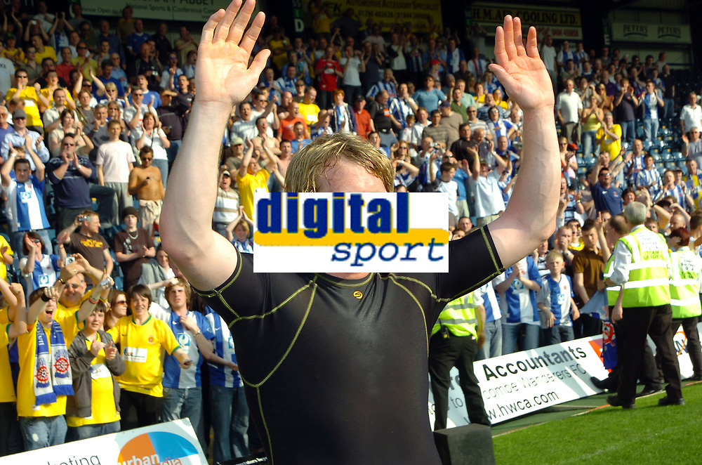 Photo: Kevin Poolman.<br />Wycombe Wanderers v Hartlepool United. Coca Cola League 2. 14/04/2007. Ritchie Humphreys celebrates going up.