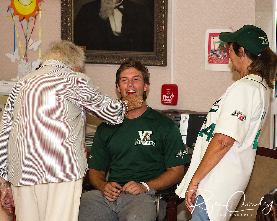 Vermont Mountaineers visited Heaton Woods, a residential care facility in Montpelier, Vermont. Players socialized and played games with the residents.