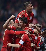FUSSBALL   CHAMPIONS LEAGUE  HALBFFINAL HINSPIEL   2011/2012      FC Bayern Muenchen - Real Madrid          17.04.2012 Jubel nach dem 2:1: Arjen Robben, Jerome Boateng, Mario Gomez und Philipp Lahm (v.l., alle FC Bayern Muenchen)