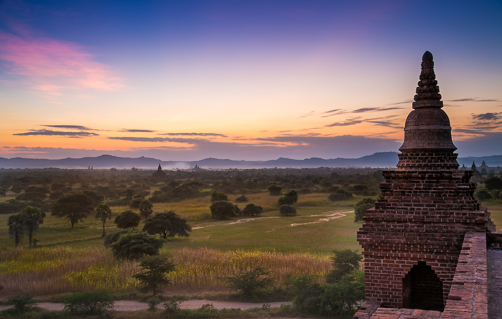 View of the sunset on the plains of Bagan from the Pyathada Phaya temple.