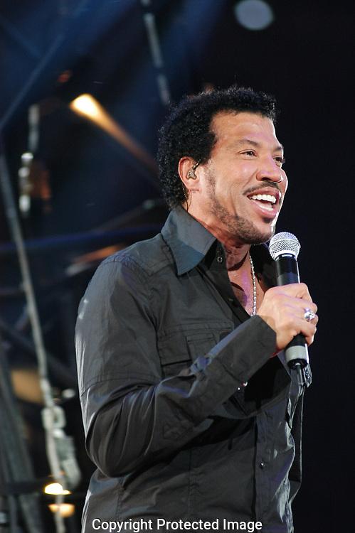 tros 40 jaar Tros 40 jaar   Lionel Richie | EM PRESS tros 40 jaar