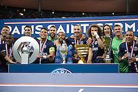 Joie PSG - Thiago Silva / Lucas MOURA / Salvatore SIRIGU / Blaise MATUIDI / Javier PASTORE / David LUIZ / Edinson CAVANI / Nicolas DOUCHEZ - 30.05.2015 - Auxerre / Paris Saint Germain - Finale Coupe de France<br />Photo : Andre Ferreira / Icon Sport