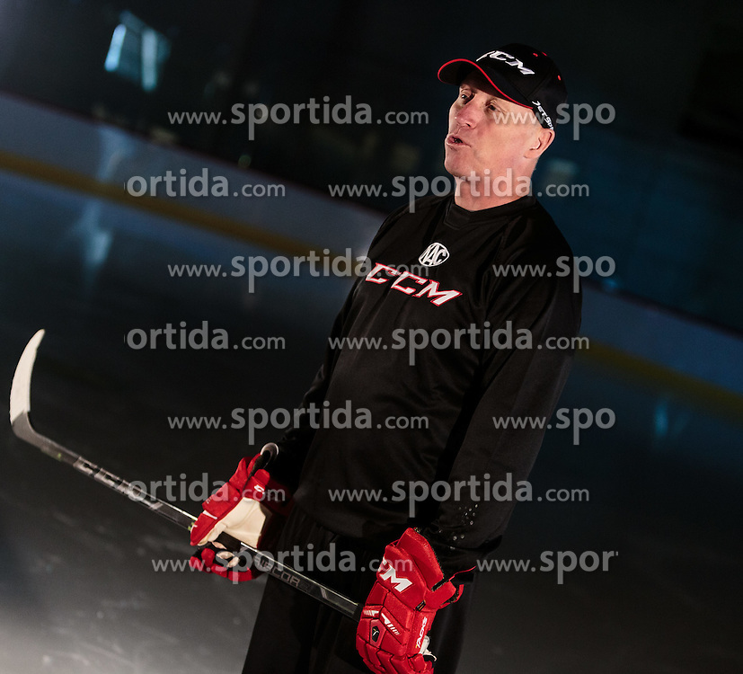 10.08.2015, Red Bull Akademie Liefering, Salzburg, AUT, EBEL, Medien Tag, im Bild Trainer Doug Mason (EC KAC) // during the Erste Bank Icehockey League Media Da at the Red Bull Football and Icehockey Academy Liefering in Salzburg, Austria on 2015/08/10. EXPA Pictures © 2015, PhotoCredit: EXPA/ JFK