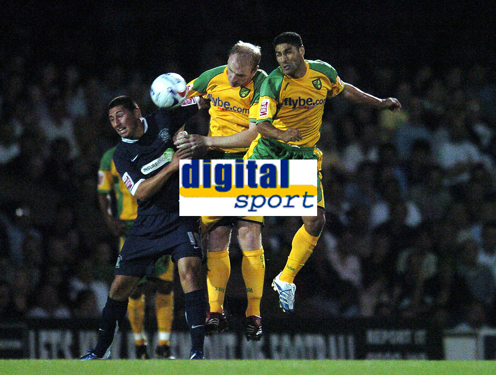 Photo: Olly Greenwood.<br />Southend United v Norwich City. Coca Cola Championship. 12/09/2006. Southend United's Billy Paynter is challenged by Norwich's Gary Doherty and Youssef Safri