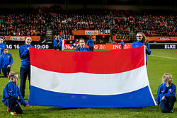 28-11-2017 NED: WC qualification Netherlands - Ireland, Nijmegen<br /> De Nederlandse voetbalvrouwen hebben hun eerste puntenverlies geleden in de kwalificatiereeks voor het WK. In Nijmegen eindigde het derde groepsduel tegen Ierland in 0-0. / Nederlandse vlag, item