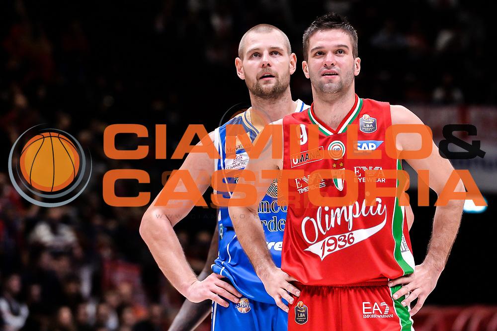 Tautvydas Lydeka, Mantas Kalnietis<br /> EA7 Emporio Armani Olimpia Milano - Dinamo Banco di Sardegna Sassari<br /> LegaBasket Serie A 2016/2017<br /> Milano 13/11/2016<br /> Foto Ciamillo-Castoria
