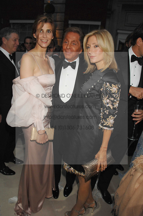 Left to right, PRINCESS KYRIL OF BULGARIA, VALENTINO and PRINCESS MARIE CHANTAL OF GREECE at the Ark 2007 charity gala at Marlborough House, Pall Mall, London SW1 on 11th May 2007.<br />