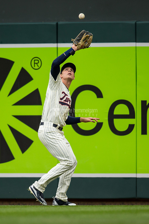 MINNEAPOLIS, MN- APRIL 5: Max Kepler #26 of the Minnesota Twins fields against the Kansas City Royals on April 5, 2017 at Target Field in Minneapolis, Minnesota. The Twins defeated the Royals 9-1. (Photo by Brace Hemmelgarn) *** Local Caption *** Max Kepler