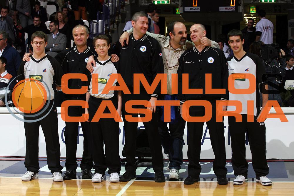 DESCRIZIONE : Bologna Coppa Italia 2006-07 Semifinale VidiVici Virtus Bologna Armani Jeans Milano<br /> GIOCATORE : Arbitri Ciamillo<br /> SQUADRA : Arbitri Ciamillo Castoria<br /> EVENTO : Campionato Lega A1 2006-2007 Tim Cup Final Eight Coppa Italia Semifinale<br /> GARA : VidiVici Virtus Bologna Armani Jeans Milano<br /> DATA : 10/02/2007<br /> CATEGORIA : Curiosita<br /> SPORT : Pallacanestro <br /> AUTORE : Agenzia Ciamillo-Castoria/S.Ceretti