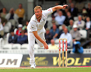 Photo © ANDREW FOSKER / SPORTZPICS 2008 -  Andrew Flintoff  bowls to Hashim Amla but Tim Ambrose dropped the inside edge from this delivery  - England v South Africa - 09/08/08 - Fourth nPower Test Match -  Day 3 - The Brit Oval - London - UK - All rights reserved