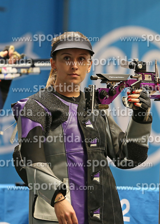 05.09.2015, Olympia Schiessanlage Hochbrueck, Muenchen, GER, ISSF World Cup 2015, Gewehr, Pistole, Damen, 10 Meter Luftgewehr, im Bild Andrea Arsovic (SRB) // during the women's 10M air rifle competition of the 2015 ISSF World Cup at the Olympia Schiessanlage Hochbrueck in Muenchen, Germany on 2015/09/05. EXPA Pictures &copy; 2015, PhotoCredit: EXPA/ Eibner-Pressefoto/ Wuest<br /> <br /> *****ATTENTION - OUT of GER*****