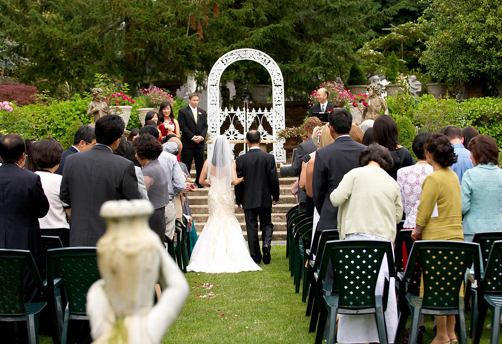 Wedding at the Thornwood Castle in Lakewood WA photo by Aspen Photo and Design