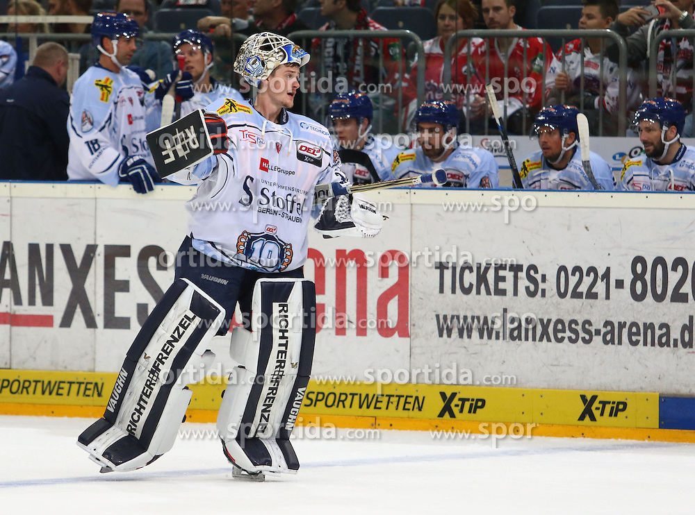 25.09.2015, Lanxess Arena, Koeln, GER, DEL, Koelner Haie vs Straubing Tigers, 5. Runde, im Bild Dustin Strahlmeier (Straubing) // during the German DEL Icehockey League 5th round match between Koelner Haie and Straubing Tigers at the Lanxess Arena in Koeln, Germany on 2015/09/25. EXPA Pictures &copy; 2015, PhotoCredit: EXPA/ Eibner-Pressefoto/ Horn<br /> <br /> *****ATTENTION - OUT of GER*****