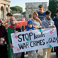 Manifestazione contro l'offensiva Israeliana a Gaza
