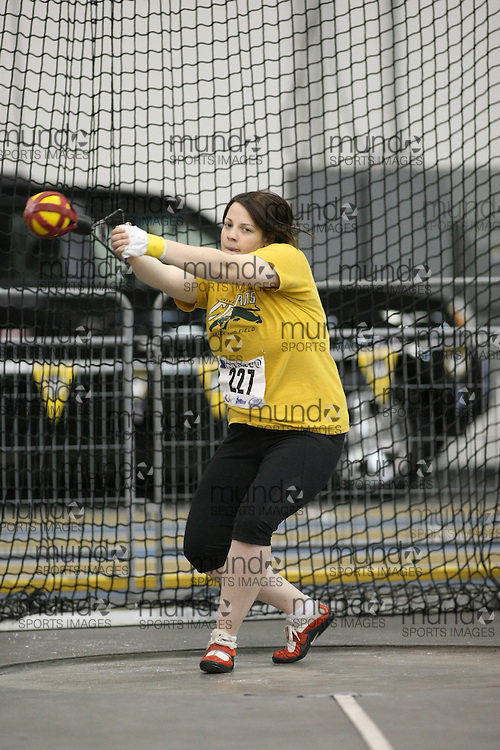 Windsor, Ontario ---12/03/09--- Sarah Klimm of  the University of Regina competes in the Women's Weight Throw at the CIS track and field championships in Windsor, Ontario, March 12, 2009..Sean Burges Mundo Sport Images