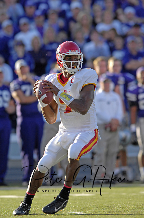 Iowa State quarterback Bret Meyer drops back to pass against Kansas State at Bill Snyder Family Stadium in Manhattan, Kansas, October 28, 2006.  The Wildcats beat the Cyclones 31-10.<br />