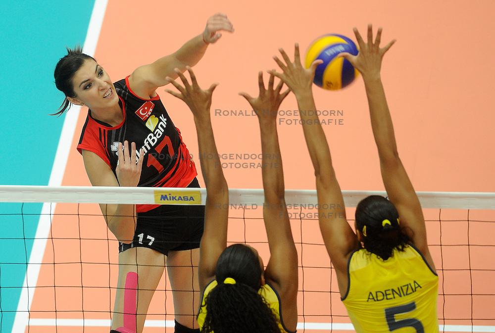 01-07-2012 VOLLEYBAL: WGP FINAL BRAZILIE - TURKIJE: NINGBO<br /> Naz Aydemir Aydemir<br /> &copy;2012-FotoHoogendoorn.nl