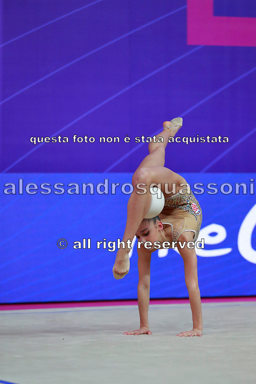 Lozic Suncica during the qualification of the ball at the Pesaro World Cup 2018.<br />