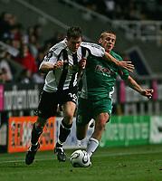 Photo: Andrew Unwin.<br /> Newcastle United v Levadia Tallinn. UEFA Cup. 28/09/2006.<br /> Newcastle's James Milner (L) attacks.