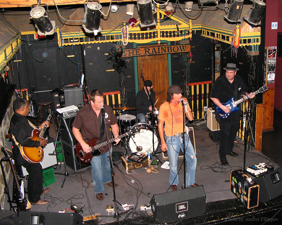Nov 3, 2007 - Ottawa, ON. David Rotundo and his band playing in The Rainbow bar in Ottawa ON Canada.<br /> David Rotundo - vocals, harmonica;<br /> Shane Scott - bass, vocals;<br /> Dan Dufour - guitar;<br /> Chuck D. Keeping - drums;<br /> Des Brown - guitar.<br /> www.davidrotundo.com