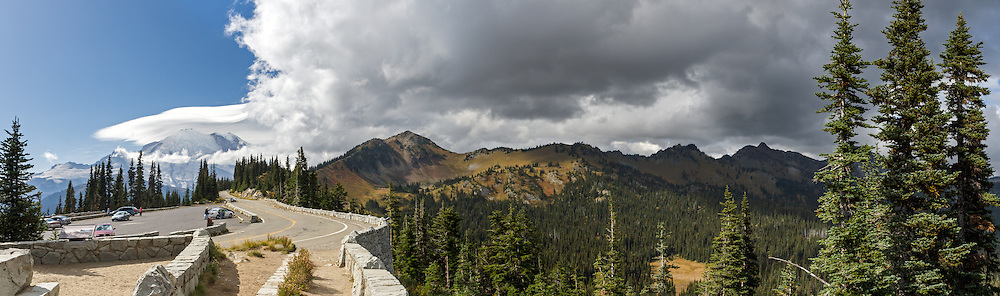 Panorama from Sunrise Point looking towards the Sourdough Mountains' Dedge Peak, Sunrisem and Mount Rainier in Mount Rainier National Park, Washington State, USA