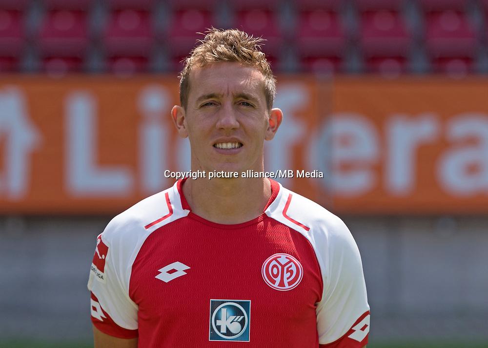 German Bundesliga, offical photocall 1. FSV Mainz 05 for season 2017/18 in Mainz, Germany:  Pablo de Blasis. Foto: Thorsten Wagner/dpa   usage worldwide