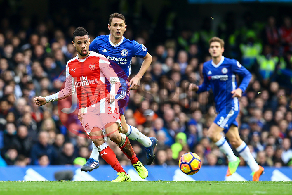 Francis Coquelin of Arsenal passes under pressure from Nemanja Matic of Chelsea - Mandatory by-line: Jason Brown/JMP - 04/01/2017 - FOOTBALL - Stamford Bridge - London, England - Chelsea v Arsenal - Premier League