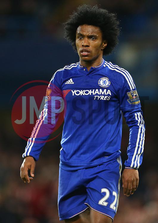 Willian of Chelsea - Mandatory byline: Paul Terry/JMP - 07966 386802 - 19/12/2015 - FOOTBALL - Stamford Bridge - London, England - Chelsea v Sunderland - Barclays Premier League