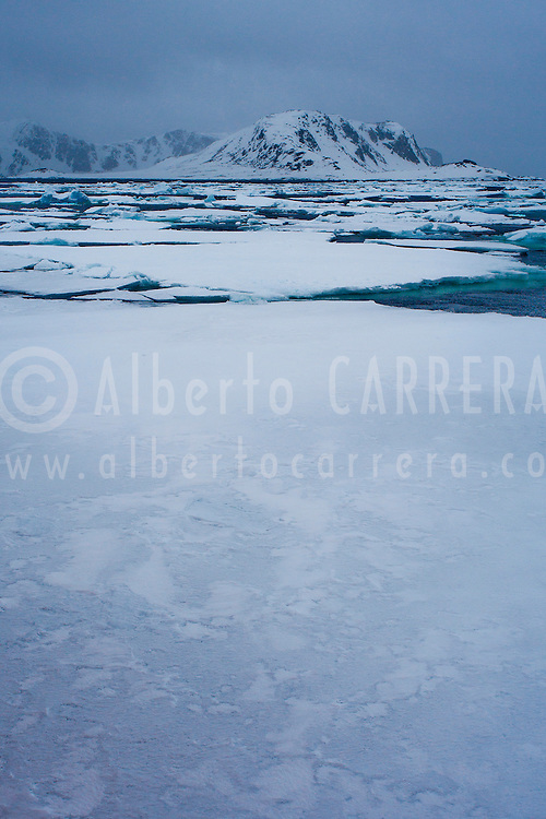 Alberto Carrera, Drift floating Ice, Albert I Land, Arctic, Spitsbergen, Svalbard, Norway, Europe