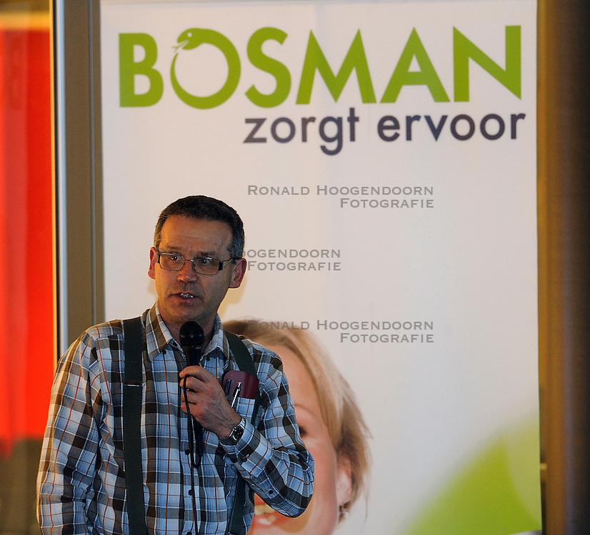 25-02-2011 ALGEMEEN: VOLLEYBALCLINIC BVDGF: ZWOLLE<br /> In samenwerking met Bosman zal de BvdGF in 2011 starten met een Sportief met Diabetestour langs verschillende ziekenhuizen in Nederland. De Sportief met Diabetestour is bedoeld om volwassenen met diabetes type 1 te informeren over sport en diabetes / Henk Bilo<br /> &copy;2011-WWW.FOTOHOOGENDOORN.NL