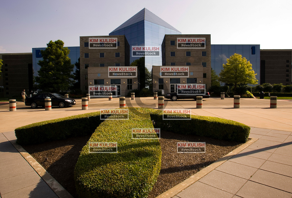 Building 1 Headquarters,  Dell Computer iin Round Rock, Texas.  Photo By Kim Kulish