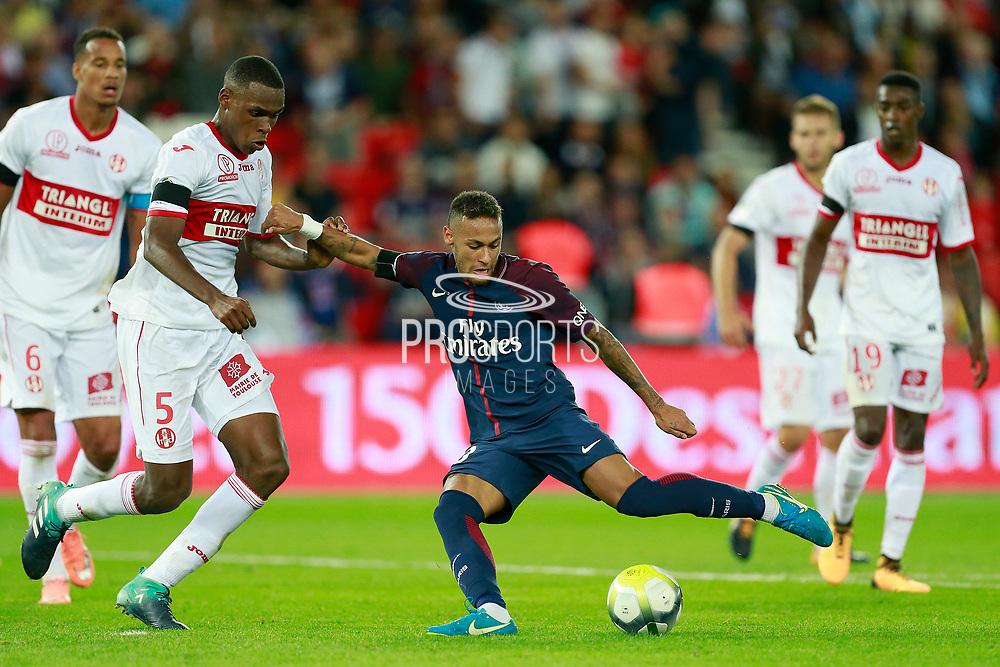 Paris Saint-Germain's Brazilian forward Neymar Jr scores a goal during the French championship L1 football match between Paris Saint-Germain (PSG) and Toulouse, on August 20, 2017, at the Parc des Princes, in Paris, France - Photo Benjamin Cremel / ProSportsImages / DPPI