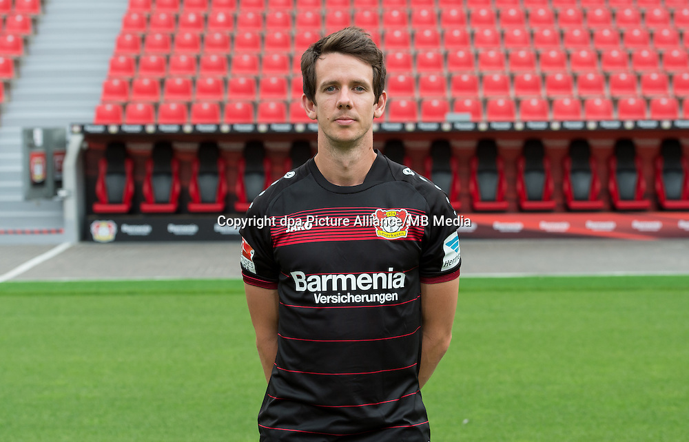 German Bundesliga - Season 2016/17 - Photocall Bayer 04 Leverkusen on 25 July 2016 in Leverkusen, Germany: Robbie Kruse. Photo: Guido Kirchner/dpa | usage worldwide