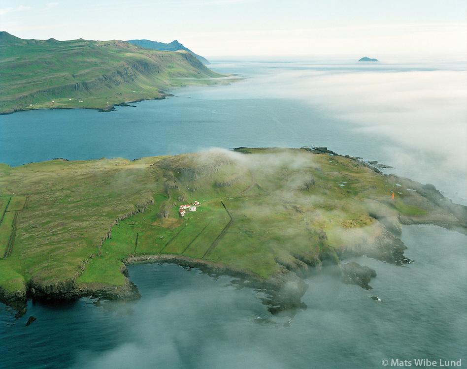 Heyklif, Kambur og Kambanes, Stöðvarfjarðarhreppur. Loftmynd. /  Heyklif, Kambur and Kambanes lighthouse, Stodvarfjardarhreppur. Aerial.