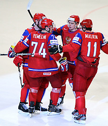 11.05.2012, Ericsson Globe, Stockholm, SWE, IIHF, Eishockey WM, Russland (RUS) vs Schweden (SWE), im Bild Team Russia cerlabrates the 3-3 goal by Russia 74 Alexei Yemelin (Montreal Canadians)jubel, glädje , lycka , glad , celebration , happy , joy , celebrates // during the IIHF Icehockey World Championship Game between Russia (RUS) and Sweden (SWE) at the Ericsson Globe, Stockholm, Sweden on 2012/05/11. EXPA Pictures © 2012, PhotoCredit: EXPA/ PicAgency Skycam/ Morten Christensen..***** ATTENTION - OUT OF SWE *****
